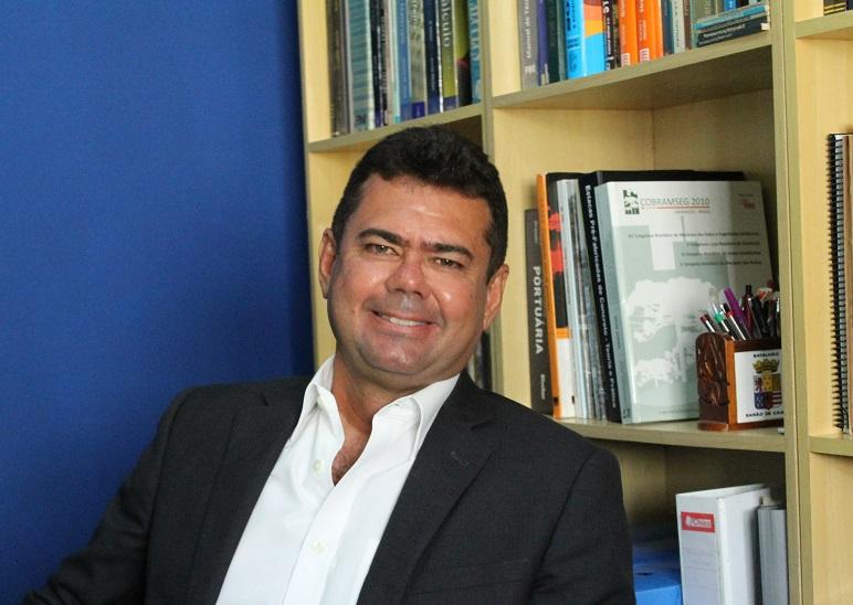 D. SC. MARCOS FÁBIO PORTO DE AGUIAR